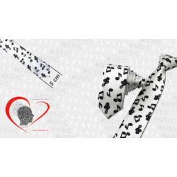 Nyakkendő fehér alapon fekete hangjegyek
